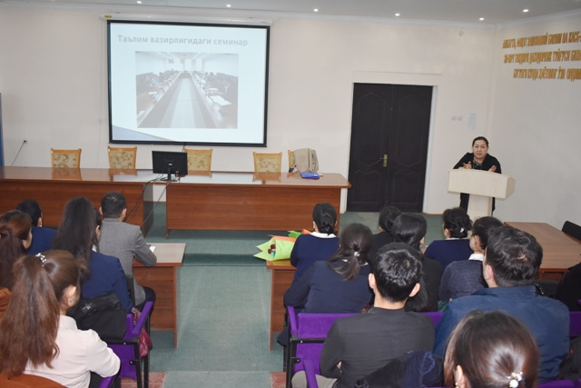DSC 1145 - After exchanging  experience at schools in South Korea, a teacher gave a master-class to the students of Philological faculty