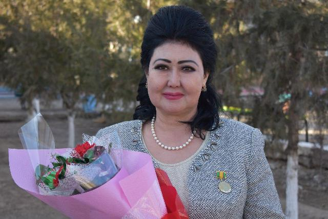.Сейтжанова - The dean of the Faculty of  pre-school and primary education was awarded a breastplate «Honorable woman»