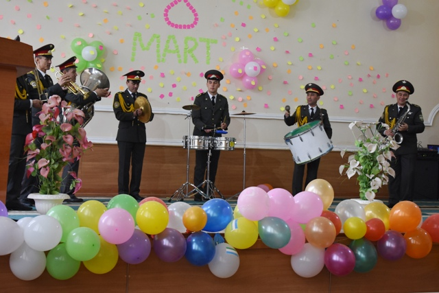 DSC 1862 - A military band gave a concert on the Women's Day