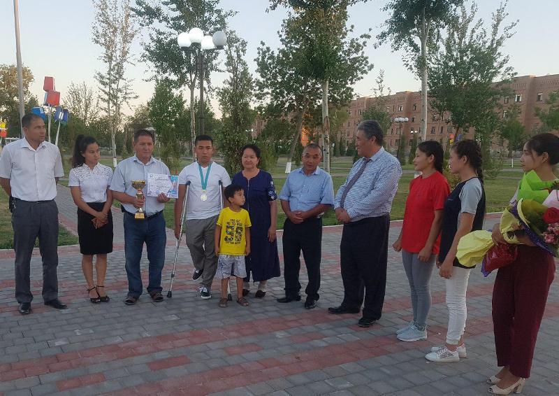 2 4 - Институтымыз студенти Әбдибек Уснатдинов Қазақстанның Шымкент қаласында өткерилген жарыста гүмис медаль жеңимпазы болды