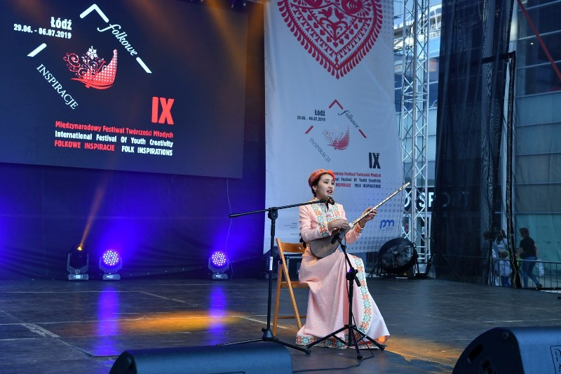 4 - A student of Nukus State Pedagogical Institute Dinara Nuratdinova won the Grand Prix at the international festival in Poland