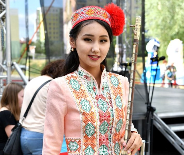 6 - A student of Nukus State Pedagogical Institute Dinara Nuratdinova won the Grand Prix at the international festival in Poland