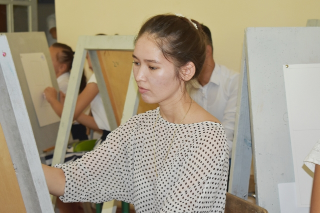 DSC 0036 - Professional creative examinations have been started in Nukus State Pedagogical Institute