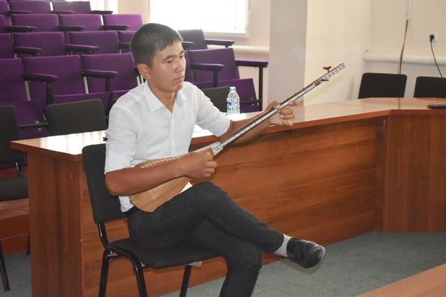 DSC 0103 - Professional creative examinations have been started in Nukus State Pedagogical Institute