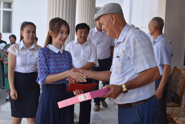 DSC 0197 - «You are the greatest place of knowledge»: Awarding ceremony at Nukus State Pedagogical Institute