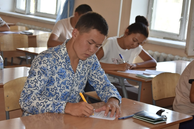 DSC 0619 - Professional creative examinations have started in Nukus State Pedagogical Institute