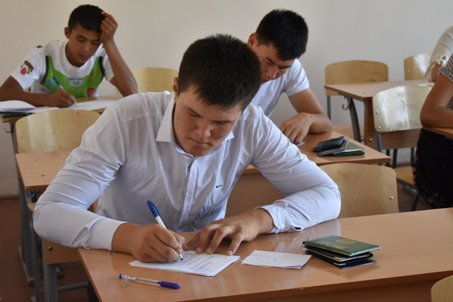 DSC 0621 - Professional creative examinations have started in Nukus State Pedagogical Institute