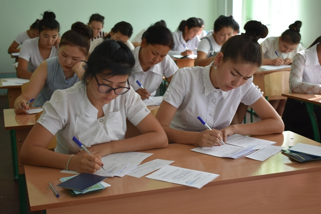 DSC 0668 - Professional creative examinations have started in Nukus State Pedagogical Institute