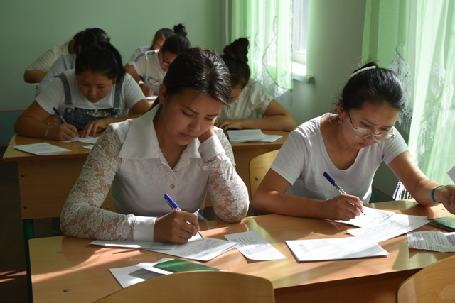 DSC 0672 - Professional creative examinations have started in Nukus State Pedagogical Institute
