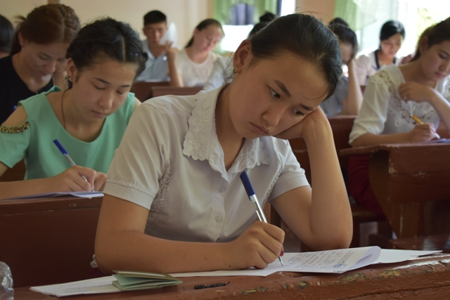 DSC 0691 - Professional creative examinations have started in Nukus State Pedagogical Institute