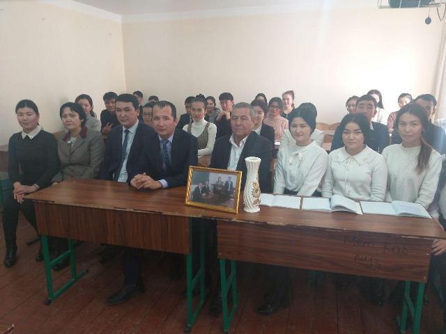 3 16 - Өзбекстан халық бақсысы менен ушырасыў үлкен тәсир қалдырды