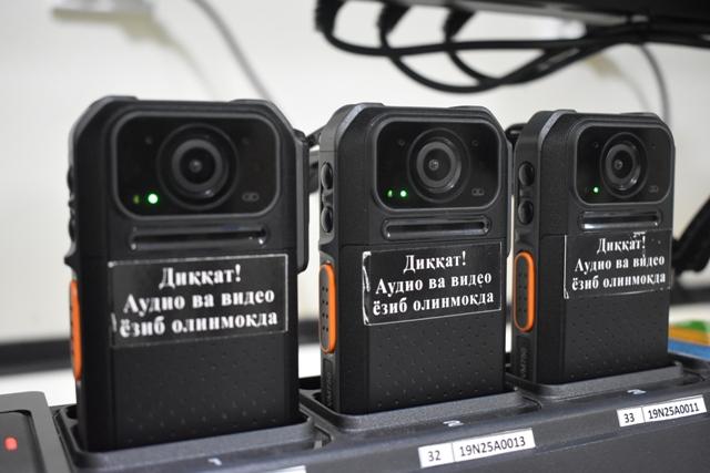 DSC 0146 - «Боди-камера»ны ЖПХ инспекторы өширип қоя алады ма? Камераның өшик я қосылып турғанын қалай билиў мүмкин? (басқа да сораўларға жуўаплар)