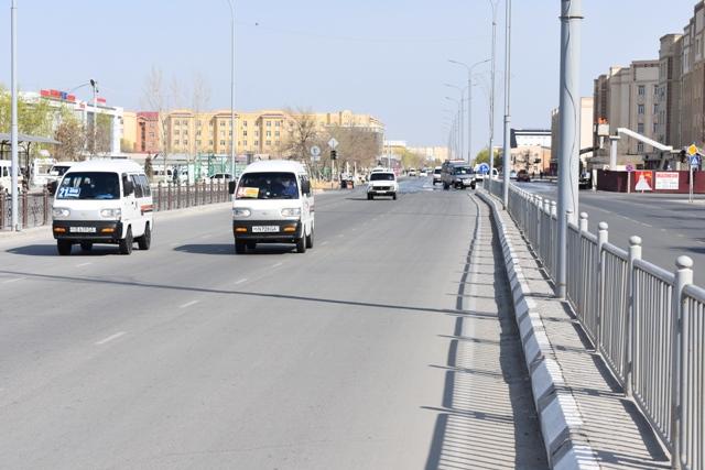 DSC 0196 - Нөкис қаласында жөнелисли автотранспортларда жолаўшы тасыў қашаннан баслап тоқтатылатуғынлығы мәлим болды