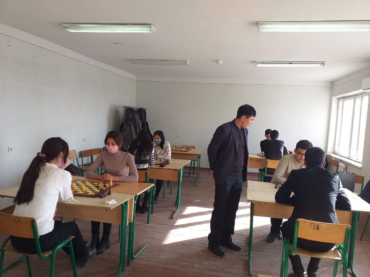 2 2 - Шахмат-шашка бойынша студентлер арасында өткерилген жарыс жеңимпазлары анықланды