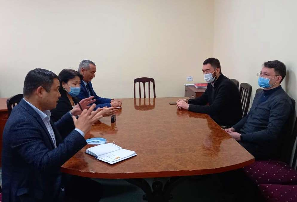 1 3 - A meeting with representatives of American Council for International Education