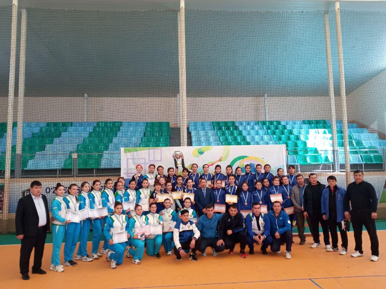 "2 1 - A volleyball team ""NSPI"" of Karakalpakstan took a 2nd place in the championship of Uzbekistan"