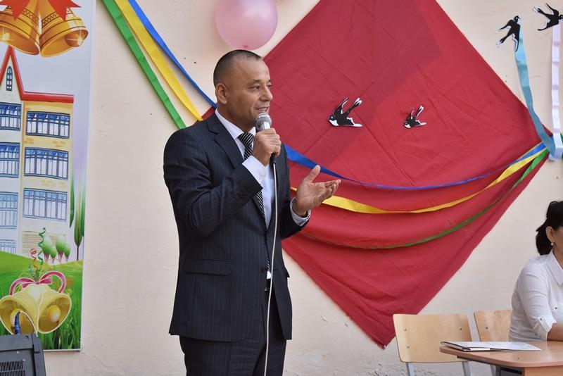 "DSC 0844 - Minister Abdukodir Tashkulov wished a ""good journey"" for school leavers of Nukus"