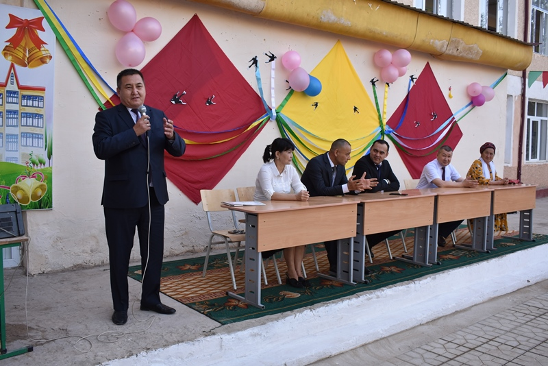 "DSC 0853 - Minister Abdukodir Tashkulov wished a ""good journey"" for school leavers of Nukus"